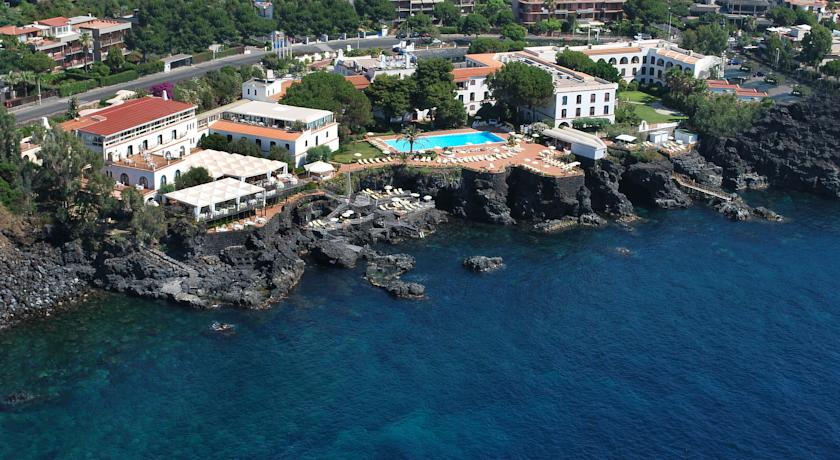 Seable accessible active holidays for visually impaired - Hotels in catania with swimming pool ...