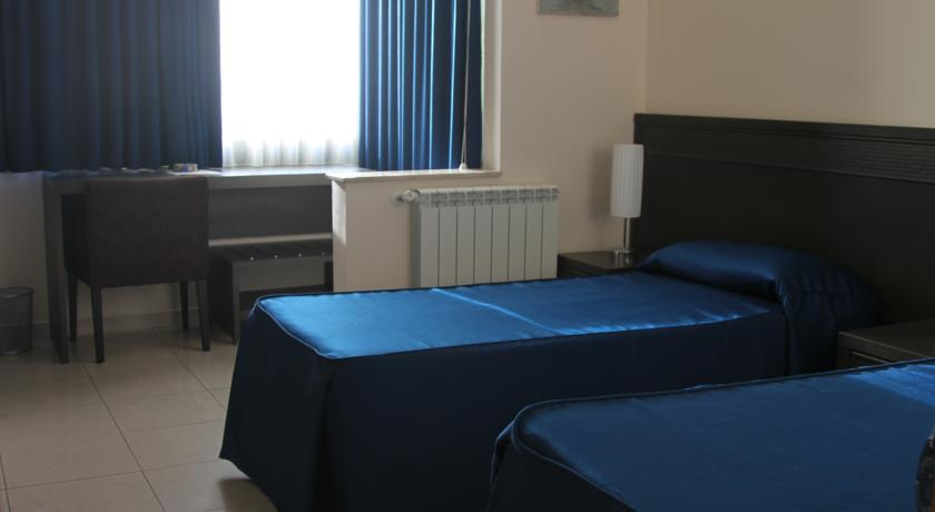 accesible-accomodation-sicily-italy-la-terrazza-bandb-twin-room