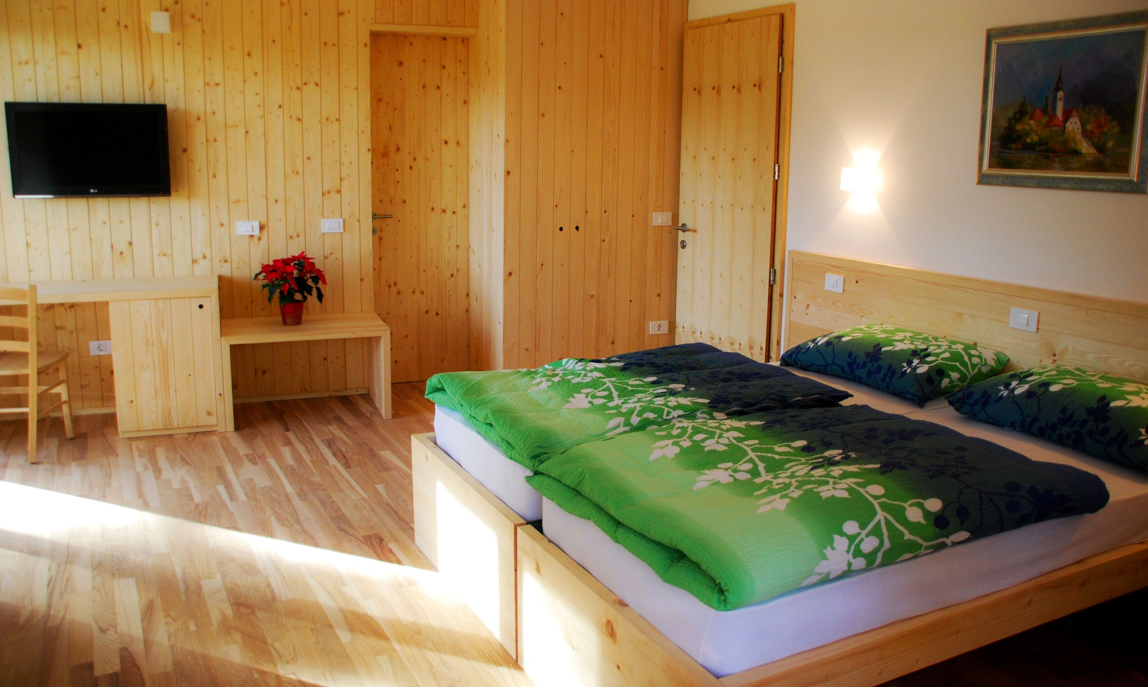 accessible-holidays-slovenia-hotel-jelka-standard-room