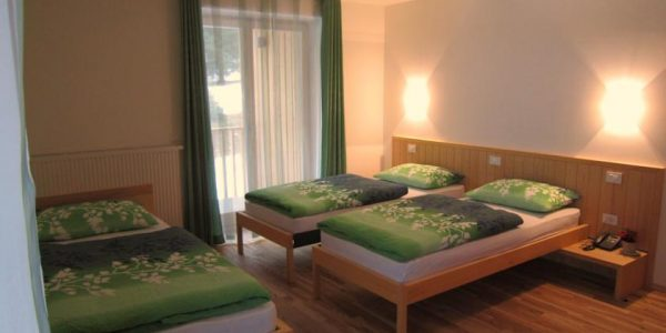 accessible-holidays-slovenia-hotel-jelka-family-suite